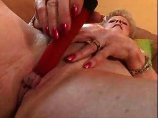 奶奶與大陰蒂