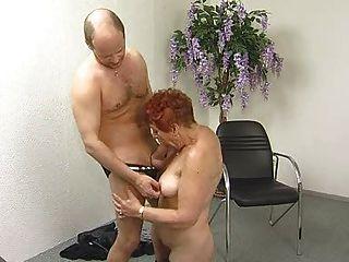 美味毛茸茸的奶奶吸和他媽的