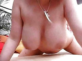 大山雀女孩使用她的山雀作為一個貓m27