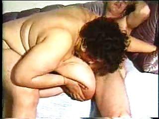 豐滿的烏木bbw媽媽鐵桿