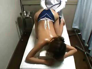 隱藏的凸輪間諜年輕日本按摩病人指法
