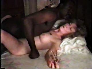 nympho成熟白色妻子與黑人情人第1部分
