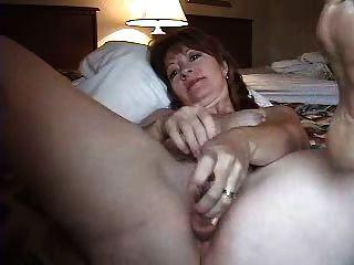 角質成熟的妻子肛門手淫