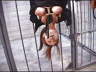 日本綁蠟玩假陽具鼻子夾衣服釘綁顛倒...寶馬