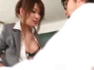 日本老師他媽的由她的學生和教師1