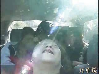 奶奶亞洲人在公共汽車