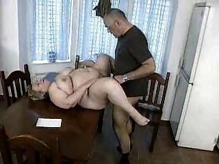 胖的德國milf得到性交