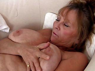 性感奶奶自慰