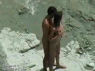 夫婦他媽的:海灘偷窺視頻