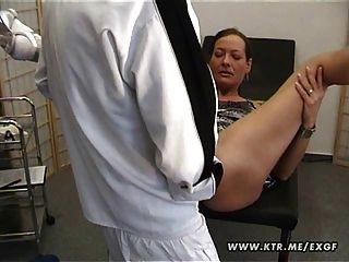 成熟業餘妻子自製肛門鐵桿行動與暨