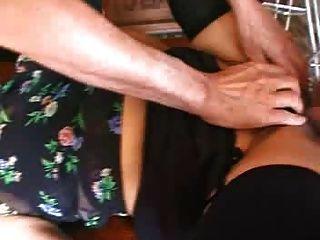 毛狀成熟摩洛哥乳房