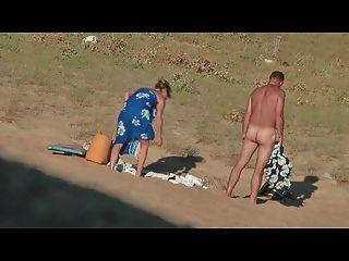 隱藏的熱法國夫婦在海灘第7部分