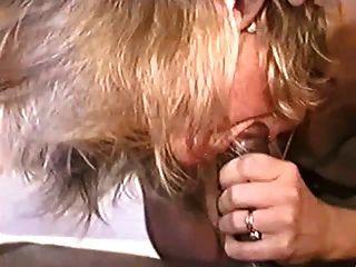 熱成熟在性感的高跟鞋轟隆bbc