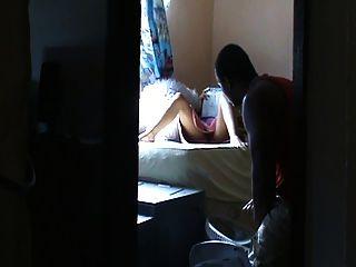 妻子誘惑男孩在房子(隱藏可以)