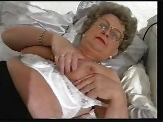 胖胖的老奶奶條和玩
