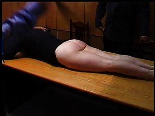 淘氣的秘書被懲罰了一個捆綁