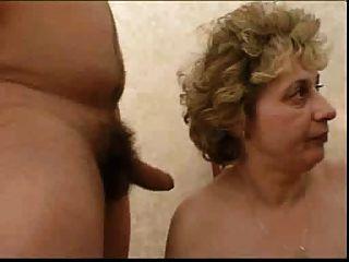 俄羅斯奶奶和男孩....製作....有點