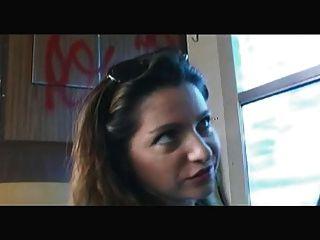 法語:sabrina ricci baise dans le train