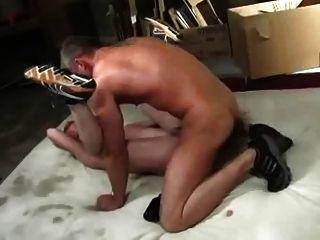 爸爸而不是他的兒子養殖屁股