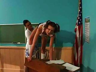 學生他媽的老師與strapon
