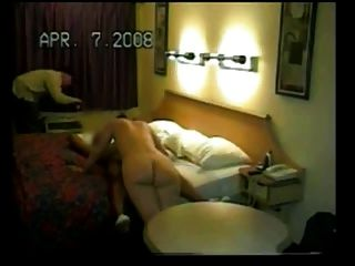 bbc作為丈夫手錶在汽車旅館生產妻子