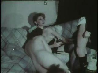女傭吮吸和他媽的(口腔餅)