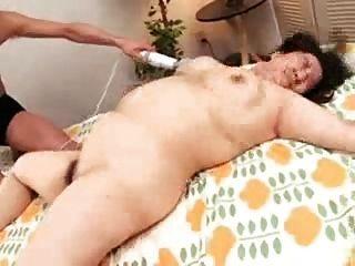 日本bbw媽媽和她毛茸茸的濕陰部的troc
