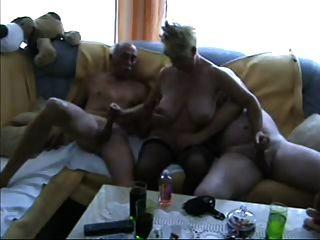 成熟雙性戀三人組