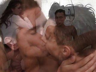 雙性淋浴派對1