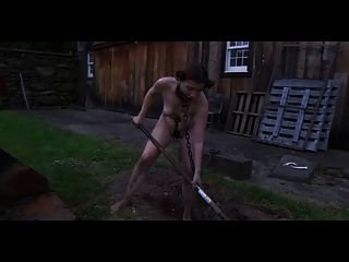 bdsm戶外羞辱挖挖掘
