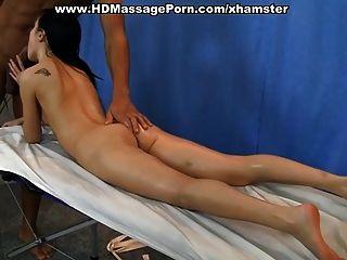 硬肛門他媽的在裸體按摩