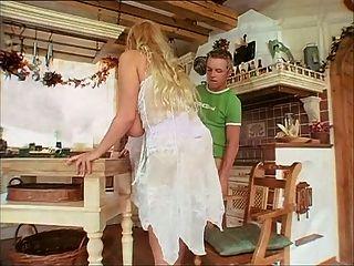德國成熟夫人與好的自然胸部