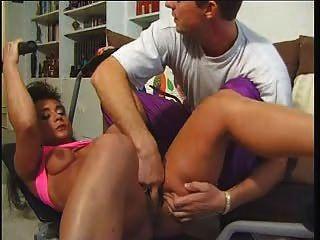 成熟和肌肉(完整的法國電影)lc06