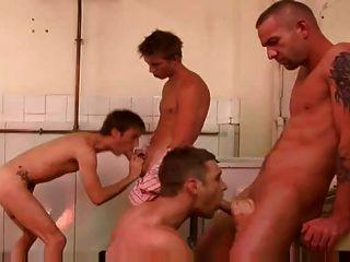 真棒同性戀4一些他媽的現場大公雞在公共廁所
