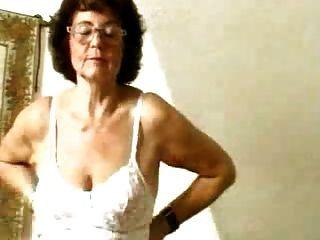 放養假陽具她老貓的奶奶