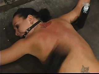 julie晚上綁著面朝下,並懲罰了.4二十!