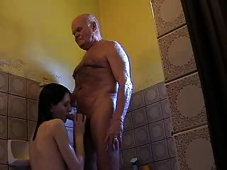 非常老grandpa mireck和女孩