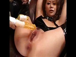 亞洲女孩噴出喜歡瘋狂