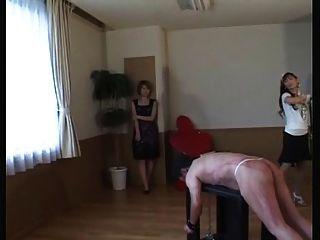 日本女主人鞭子