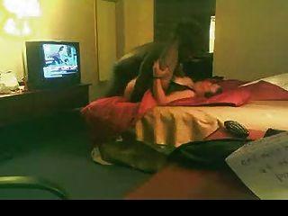 白色bbw他媽的黑色情人在酒店房間
