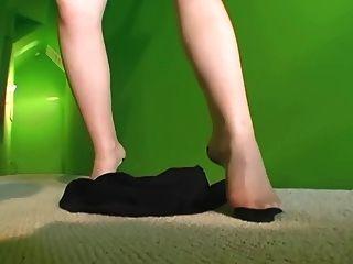 熱的milf條在純粹內褲和襪子