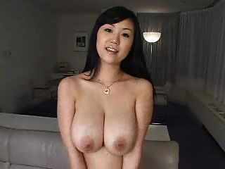性感漂亮的女孩與大胸部