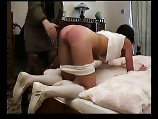 俄羅斯女學生嚴重懲罰的老師
