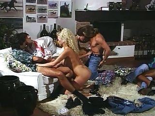i pornoricordi di chloe(1990)完整的複古電影