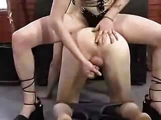 dom擠奶她的奴隸