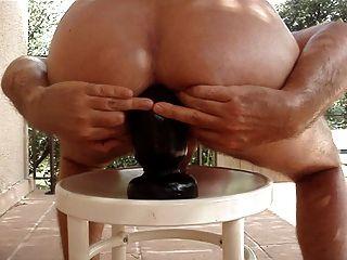 巨大的buttplug是我的屁股