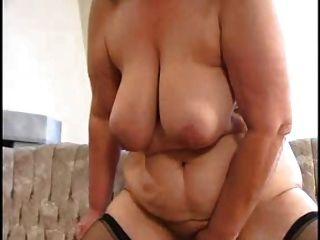 性感的媽媽n88金發碧眼的bbw成熟與一個年輕人