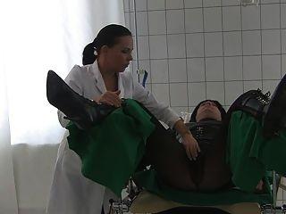 理髮師和博士。natascha