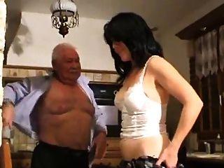 老人和女孩