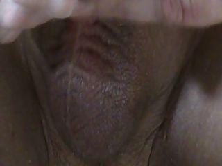 關閉在慢手工作。暨流從未割陰莖